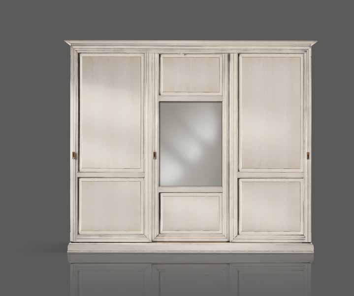 Armadio 3 Ante Scorrevoli Specchio.Armadio 3 Ante Scorrevoli Bugnate Laccato Bianco Con Specchio